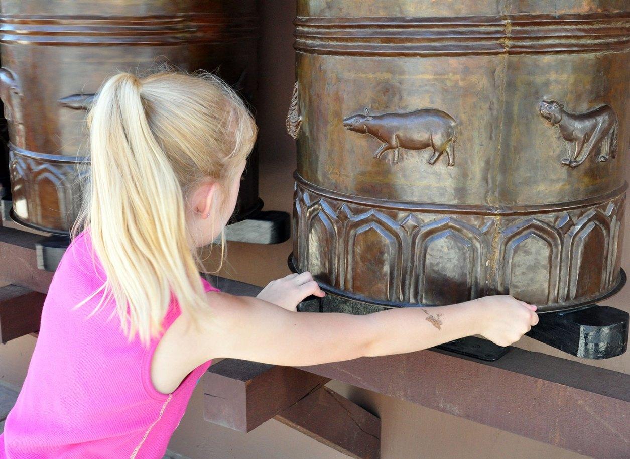 exhibits-elephant-2