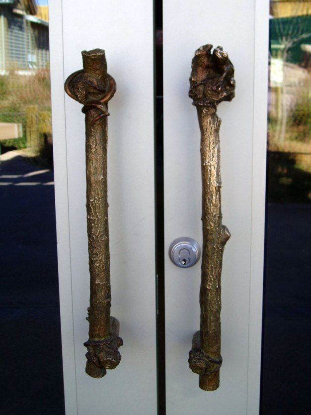 sculpture-door-handles