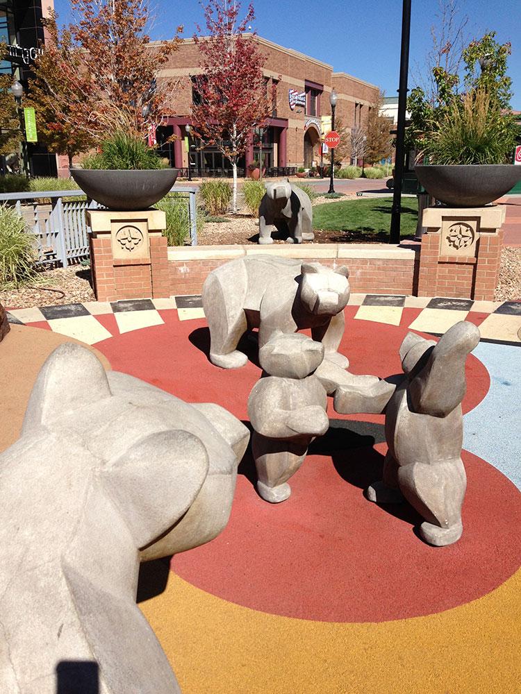 sculpture-monumental-bears-playground