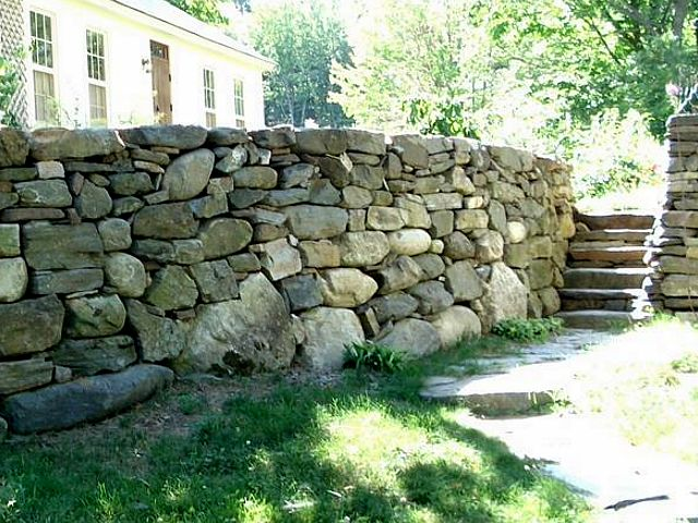 Fieldstone wall/steps