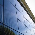 Erneuerbare Energie kann auch über die Fassade erzeugt werden