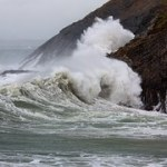 Wellengenerator nutzt Bewegung des Meeres zur Energiegewinnung