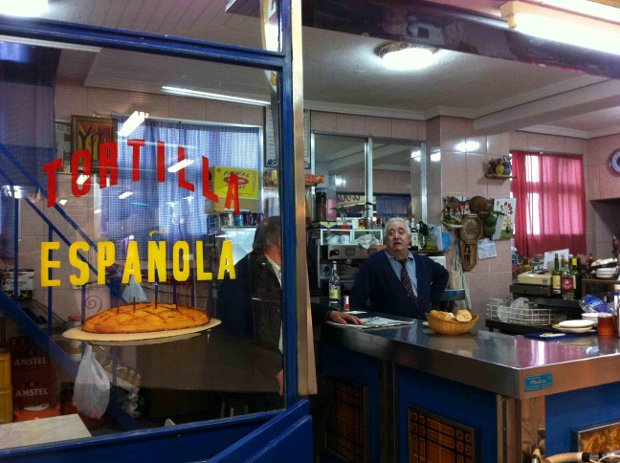 Cafetería en el mercado - Foto por Andrés Walliser