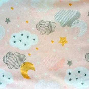 tela patchwork mascarilla nubes estrellas fondo rosa
