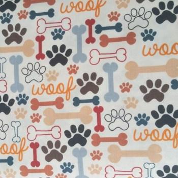 tela patchwork mascarilla huellas huesos perro