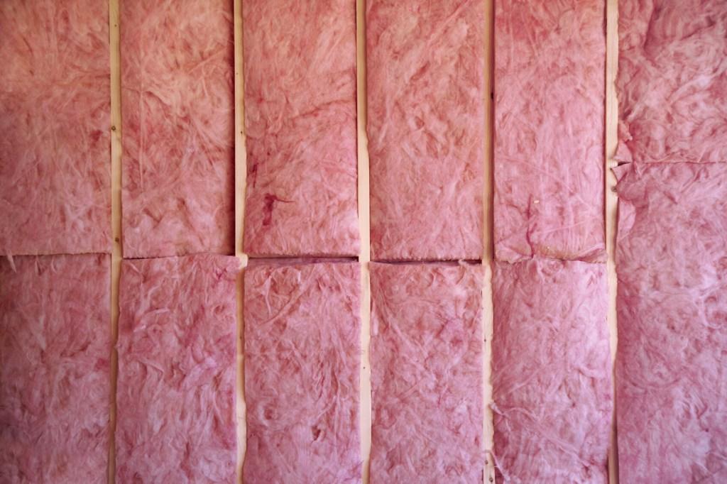 How to install fiberglass insulation
