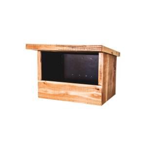 Torenvalknestkast, gemaakt uit lariks. Deze nestkast is op maat gemaakt voor de torenvalk.