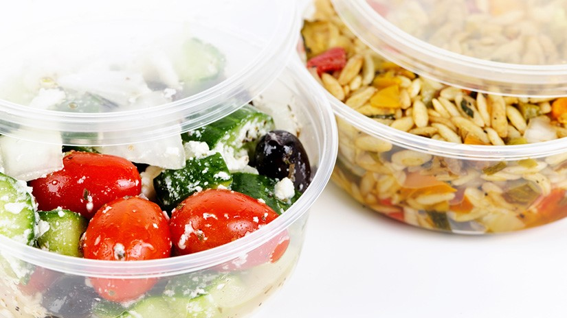 Avoid eating in plastic containers
