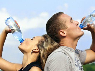Waarom je plastic waterflesjes niet meer zou moeten gebruiken