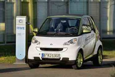 First Electric Smart Car Delivered to Customers in Germany