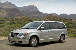 Chrysler Recalls 335,000 Minivans