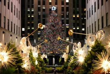 Best holiday lights + festivals in USA