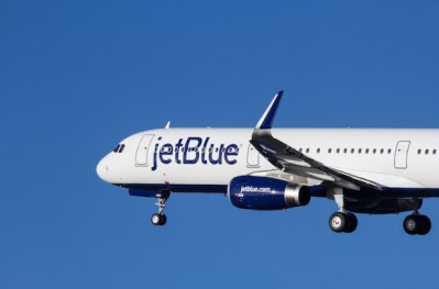 JetBlue raises fees for checked baggage