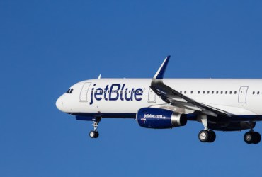 JetBlue gives passengers free in-flight WiFi