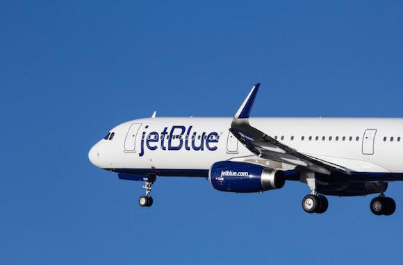 JetBlue gives passengers free in-flight WiFi