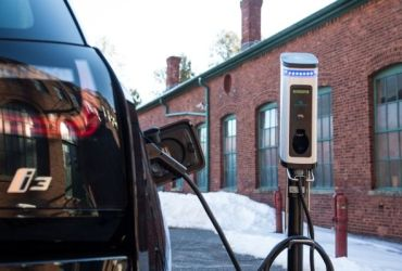 BMW Adds EV Chargers in National Parks