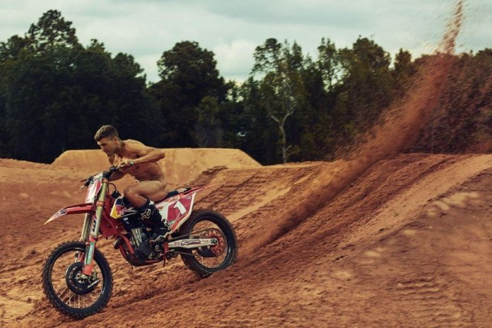 ryan-dungey-dirtbike-2016-body-issue