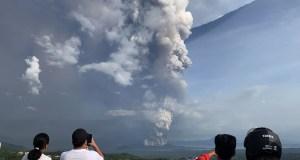 Συναγερμός στις Φιλιππίνες - Ξύπνησε το ηφαίστειο Τάαλ