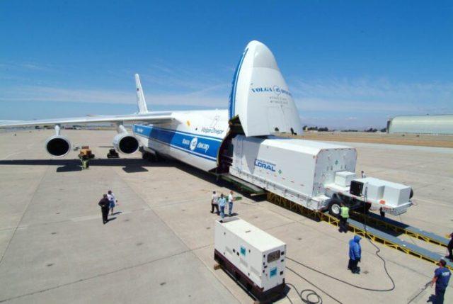 cargo aeroplane 696x466