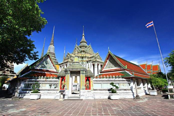 tempat wista di Bangkok terbaik - Wat Pho