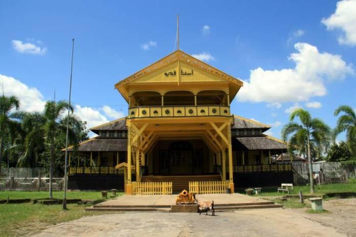 Wisata Kota Pontianak - Keraton Kadriah