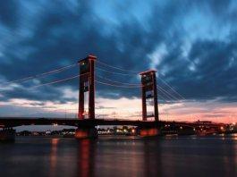 fakta jembatan ampera