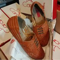 Preloved Sepatu Wanita/Flat Shoes Cardinal Nomor 37 Kecil/Nomor 36