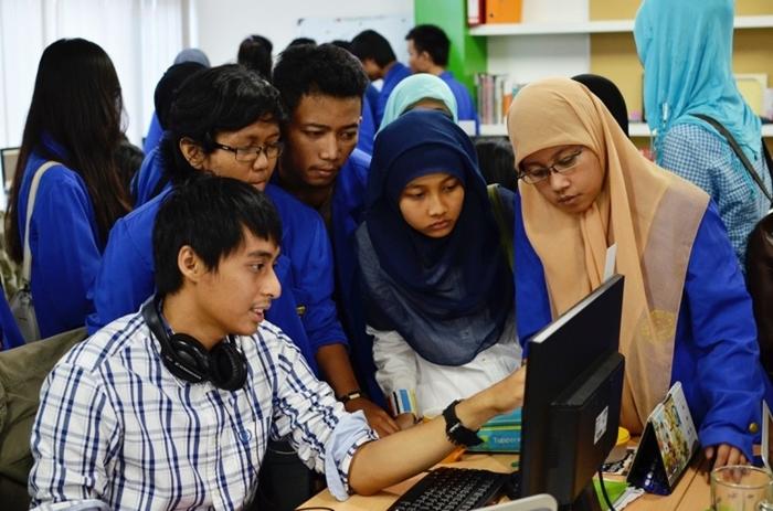 Mahasiswa Universitas Darma Persada Kunjungi Kantor Tokopedia