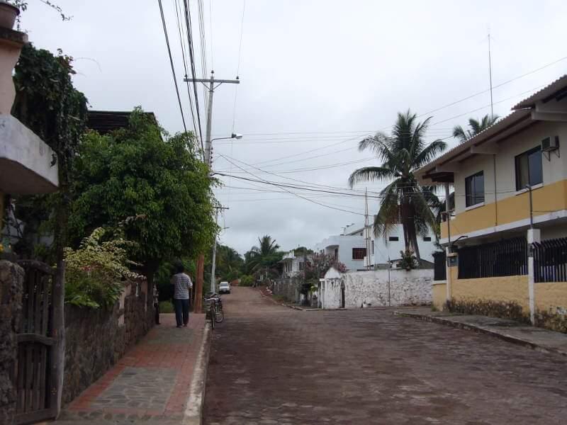 Calle en Puerto Ayora.