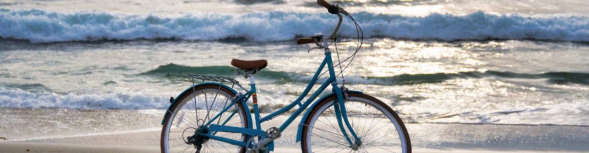 Bicicleta en la playa.