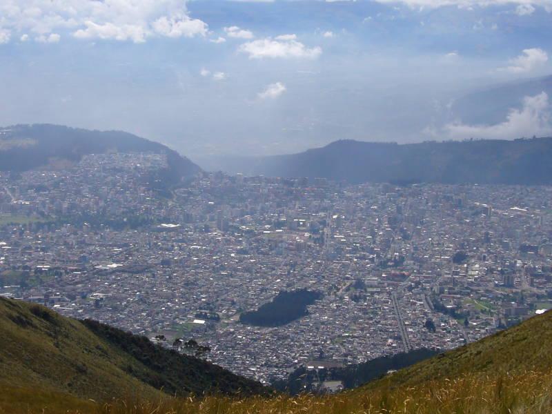 Quito con La Mariscal a la derecha.