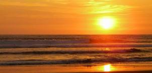 Beach of Olon, Ecuador, the best sunsets in Ecuador