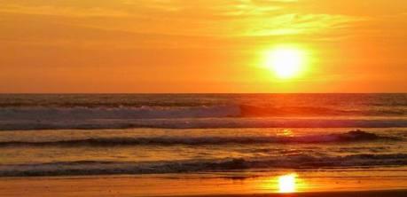 Beach of Olon, Ecuador, the best sunsets in Ecuador