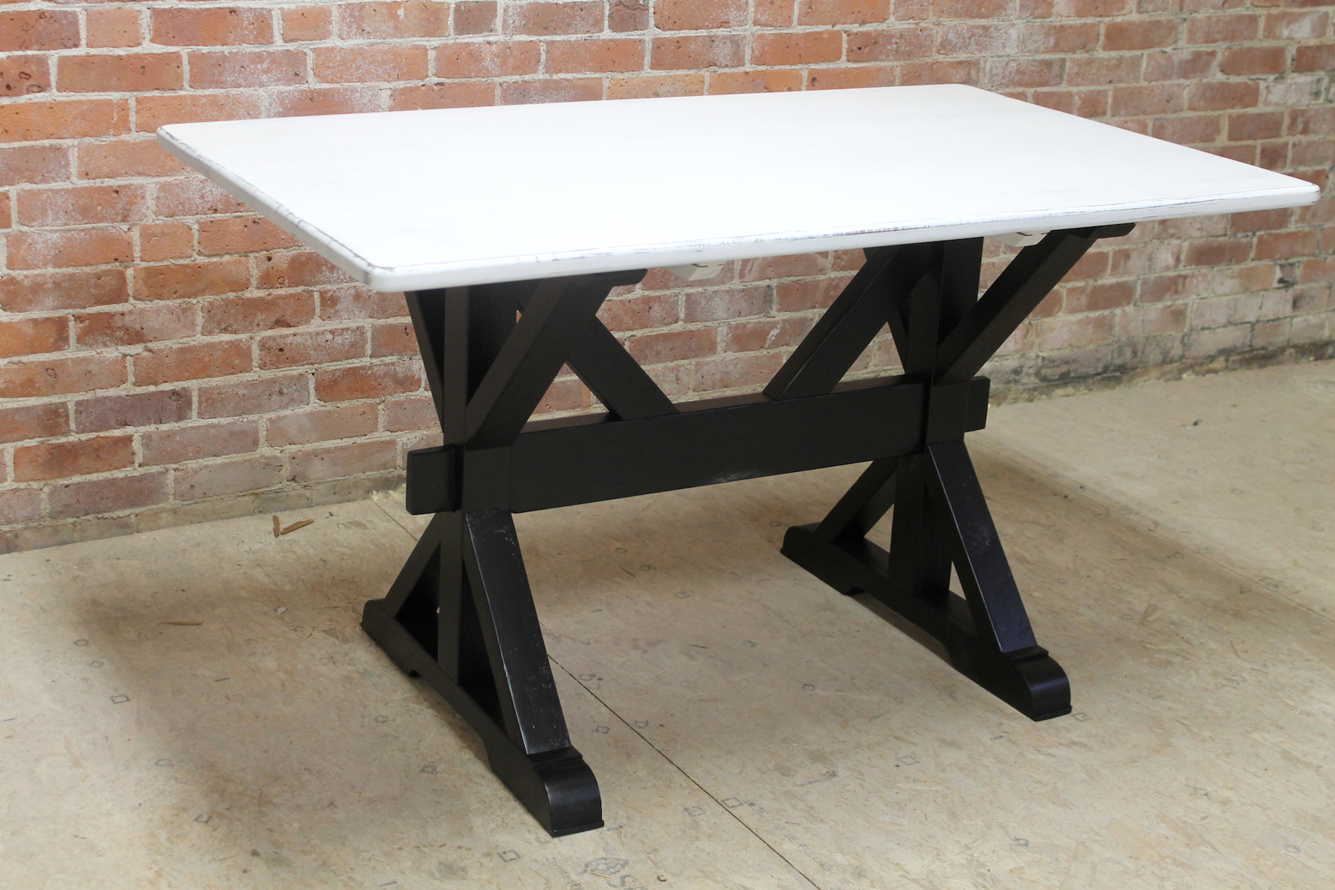 X Base Trestle Table