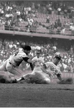 Buchdeckel von Neil Leifer. The Golden Age of Baseball: Collector's Edition: Baseball - Ballet in the Dirt - Baseball Photography of the 1960s and 70s