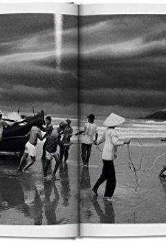 Livres Couvertures de Sebastião Salgado. Exodes