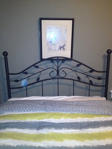 For Sale! Fashion Bed Group Sycamore Queen-Size Hammered