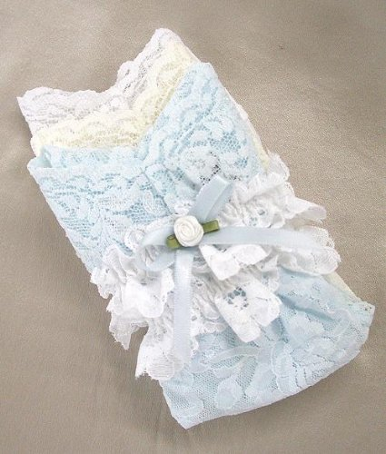 Hanky Panky Signature Lace Original Thongs and Bridal Garter Set Accessory