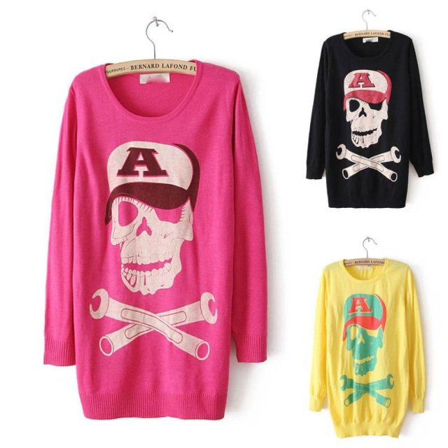 Loose CREW Neck Skull Pattern Knit Sweater