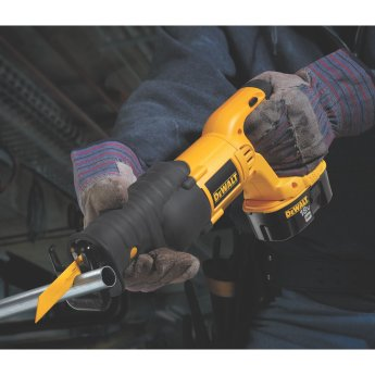 reciprocating saw cutting metal