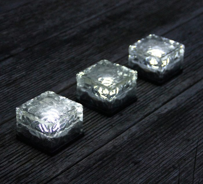 Amazon.com : Frostfire Solar Ice Rocks These solar LED rechargeable outdoor lights are great.. small, great light and no annoying stakes that break!