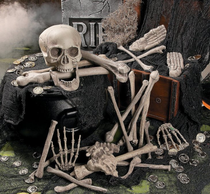 Scary Skeleton Decorations For Halloween Or Year-Round Fun