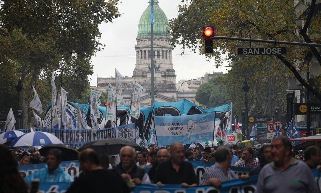 A VIDA ESTÁ DURA NA ARGENTINA