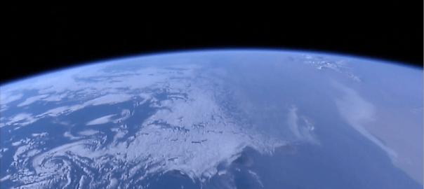 Imagen de la tierra desde la Estación Espacial Internacional para el microrrelato Visitante 300.