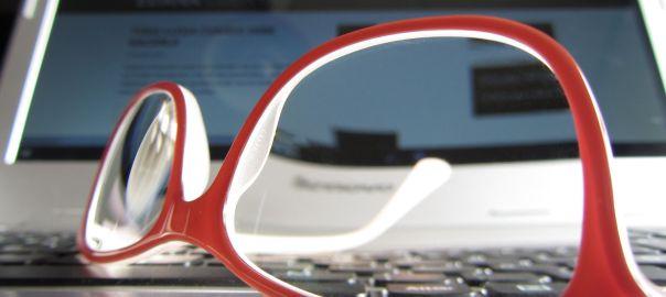 Mis gafas rojas sobre el pc