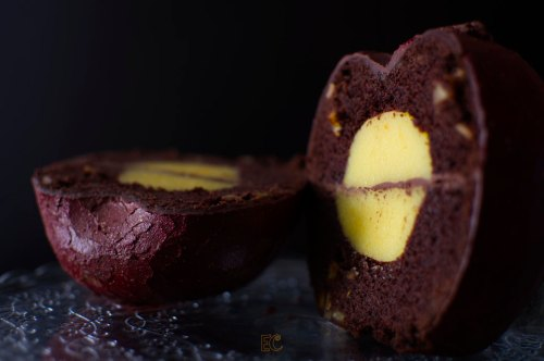 Corte bundt de chocolate orange curd sin huevo