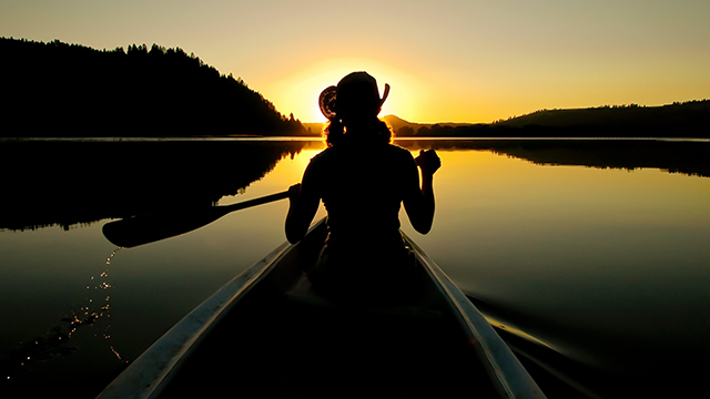 canoeing silhouette