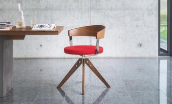 Nii iF Design Awardi kui ka Red Dot Design Awardi võitnud G 125 on uusinterpretatsioon traditsioonilisest puidul põhinevast pöördtoolist. Põhielement on lihtsus. Tootja Girsberg, müüb Intera.