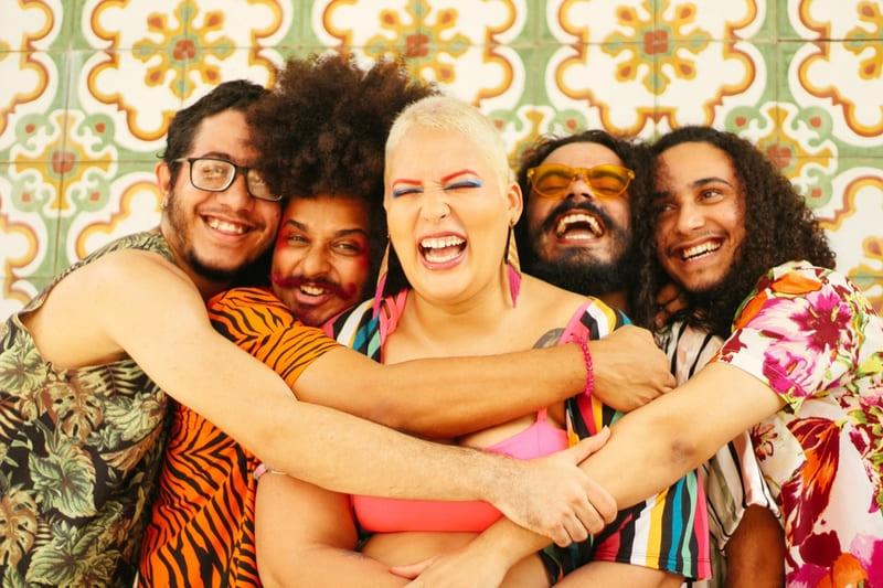 """Banda Bia e os Becks faz live """"Gostosinha"""" para encerrar ciclo"""