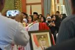 Jenazah Gubernur Kepri Drs HM Sani disemayamkan di Gedung Daerah Kepri, Kota Tanjungpinang, Sabtu (9/4/2016). Foto: eddy mesakh